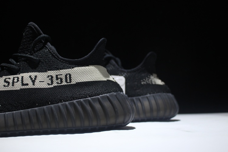 91% Off Yeezy boost 350 v2 black uk White And Black Lean2S