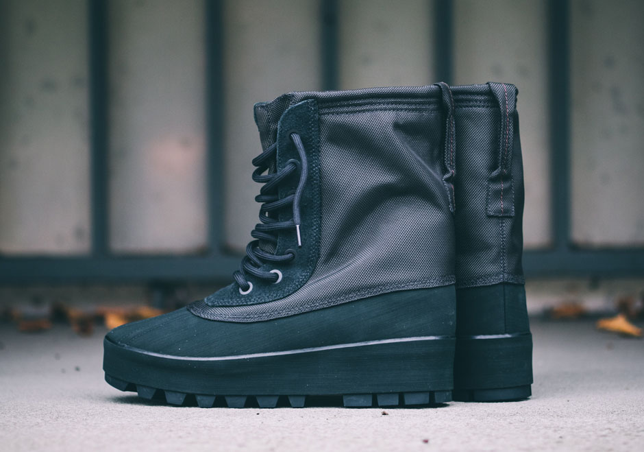 Yeezy 950 Boot Pirate Black