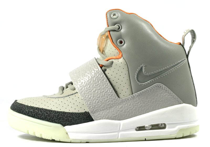 Air Yeezy zen grey/light charcoal No Y print in the toe