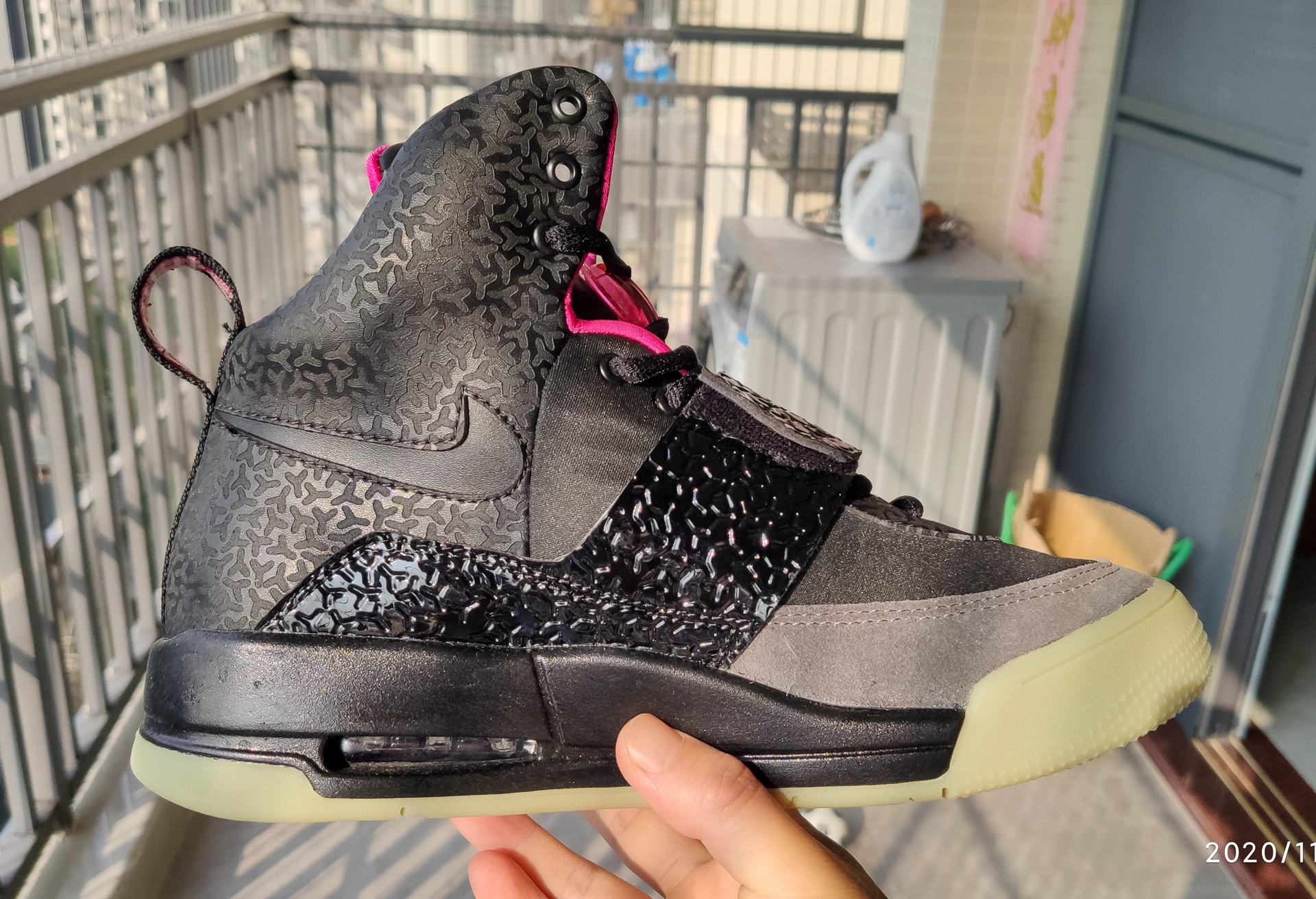 Air Yeezy Black/Pink improved in 2020