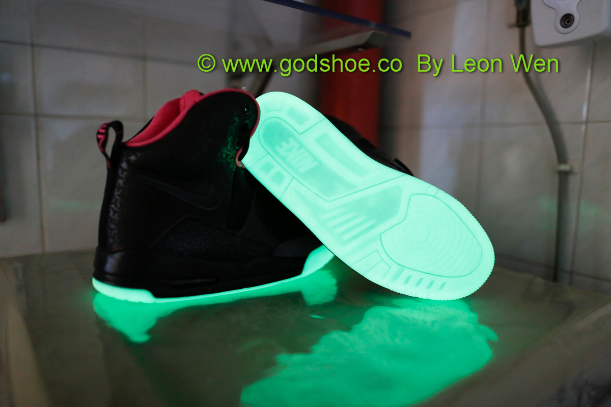 Air Yeezy Black/Pink New Batch 2013